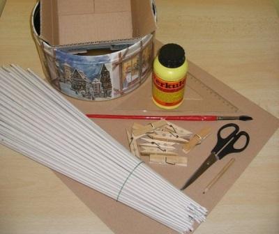 Материалы необходимые при плетении корзины для белья из газетных трубочек