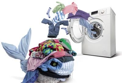 машина стиральная с бельем