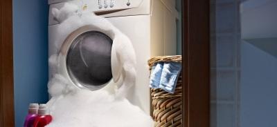 пена, заполнившая стиральную машину