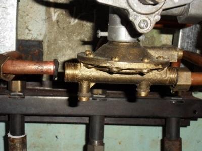 Водяной узел (лягушка) газовой колонки