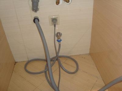 Подключение заливных шлангов к стиральной машине