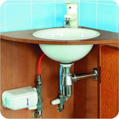 Проточный водонагреватель под раковиной