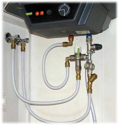 Бойлер, подключенный к металлопластиковому водопроводу