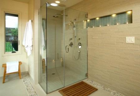 Душ со сливом в полу в ванной хрущевке