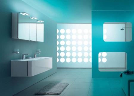 Спокойствие дизайна голубой ванной