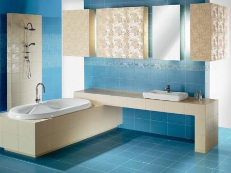 отделка ванной в бежевый и голубой цвета