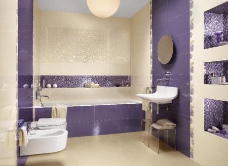 Фиолетово-бежевая ванная