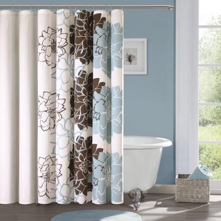 Голубо-коричневая ванная с белым