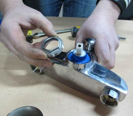 Устройство смесителя для ванной с душем ремонт