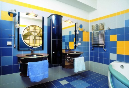 Сине-желтая ванная