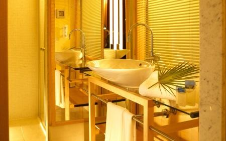 Желтая ванная положительно влияет на психику