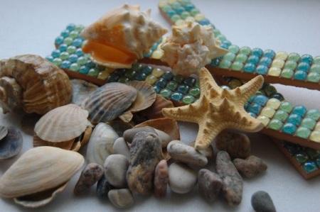 Камушки с моря для оформления ванной комнаты