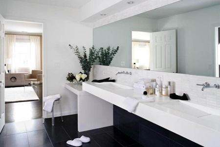 Минимализм в оформлении ванной комнаты
