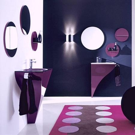 Дизайн-проект ванной комнаты:черный, белый и фиолетовый