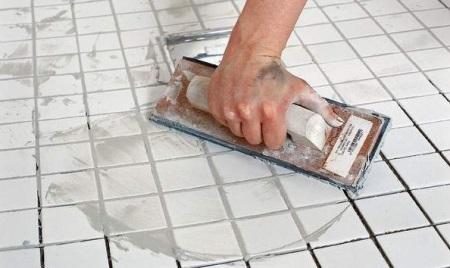 Затирка швов керамической плитки в ванной своими руками, влагостойкие, Ceresit