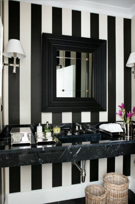 Черно-белая полоска в ванной