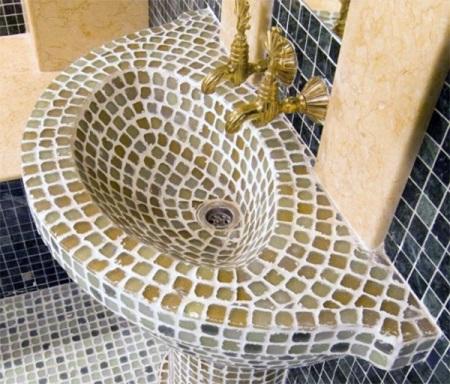 Мозаика для ванной комнаты: особенности дизайна и отделки