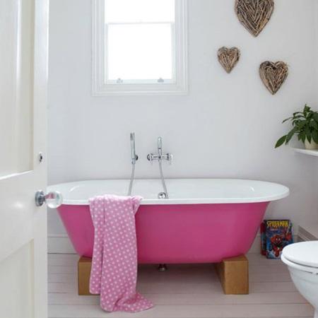 Розовая ванна