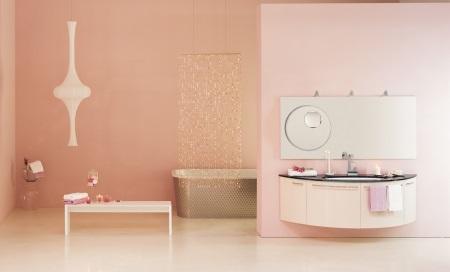 Бледно-розовый и белый в дизайне ванной комнаты