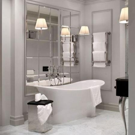 Плитка из зеркала в ванной комнате