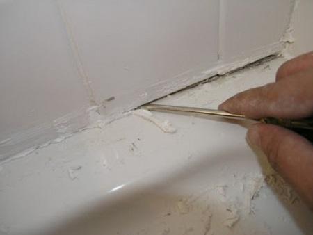 Что делать, если плесень образовавшаяся на герметике в ванной возвращается?