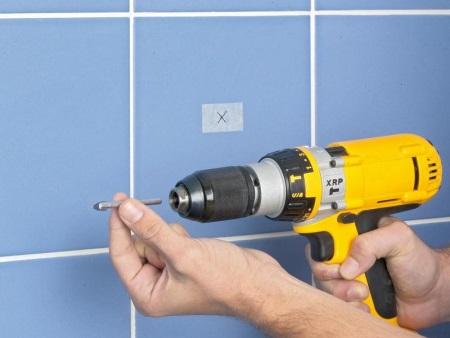 Как просверлить кафельную плитку, чтобы не треснула (19 фото): как сделать отверстие на стене в плитке и на полу, выбор сверла