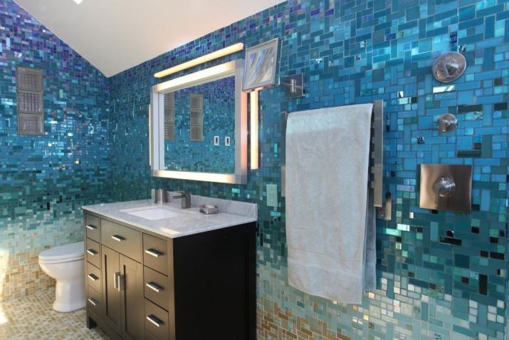 Mosaic tile bathroom backsplash